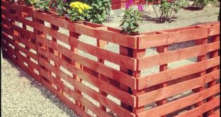 Cheap and Cheerful Pallet Fencing