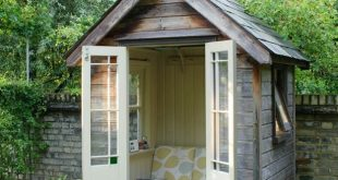 8 Summer Outdoor Reading Nooks & Spaces